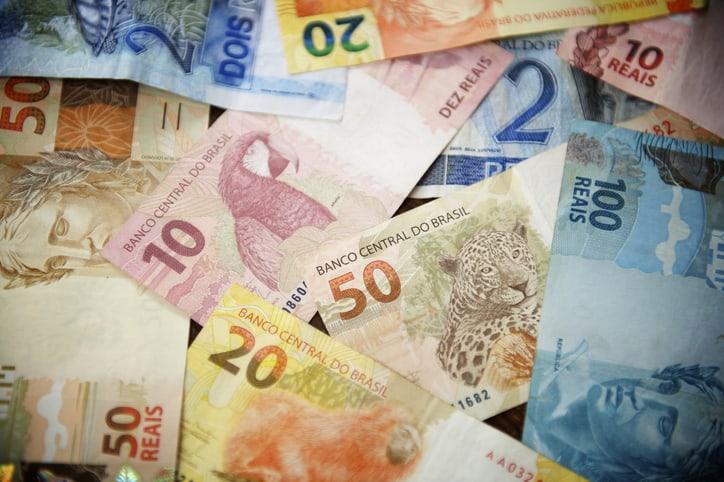 Várias Notas de Reais Brasileiros