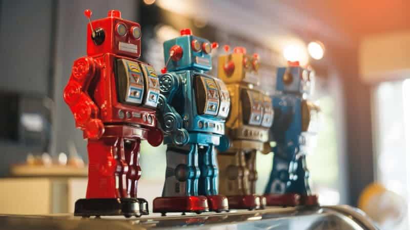 Robôs enfileirados